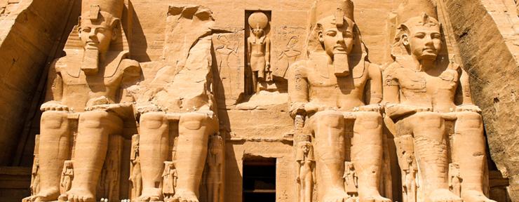Exploring the temple of Abu Simbel
