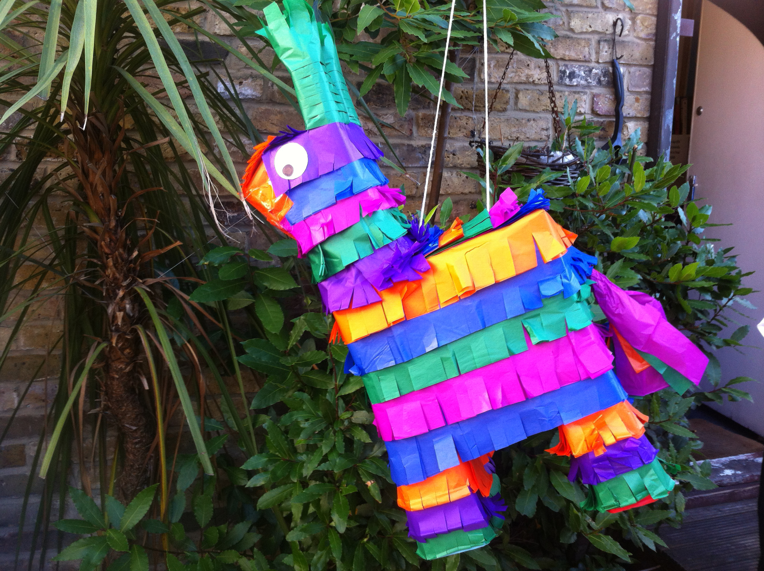 How to Make a Piñata - On The Go Tours Blog