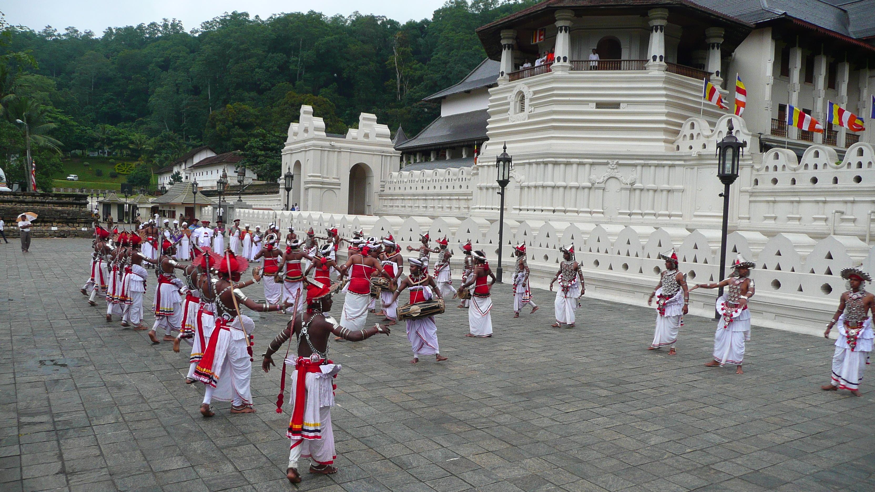 Kandy Temple & dancers, Sri Lanka