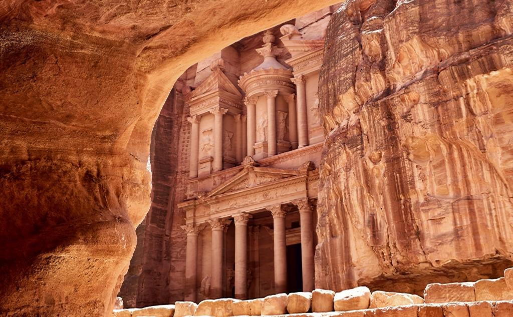 The iconic Treasury in Petra