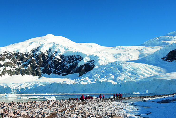 Top 10 cruise journeys - a sunny day in Antarctica