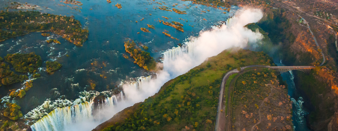 The best Vic Falls experience – Zimbabwe or Zambia?