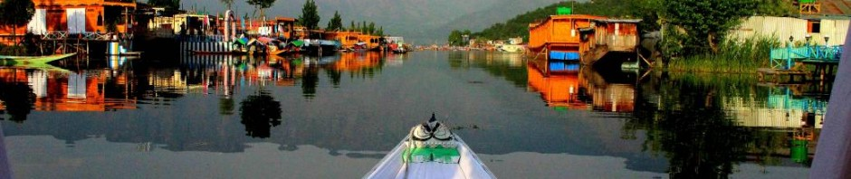 Cruising Dal Lake in Sri Nagar, Kashmir