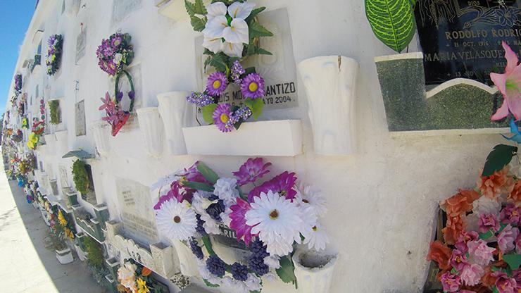 Cementerio San Lazaro - How to spend a day in Antigua