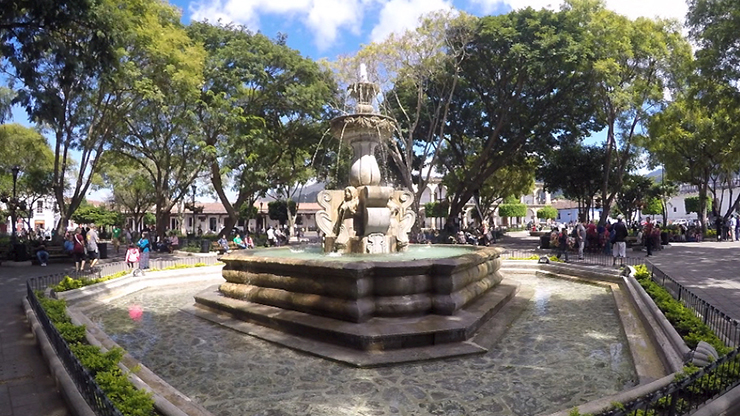 Plaza Central - How to spend a day in Antigua