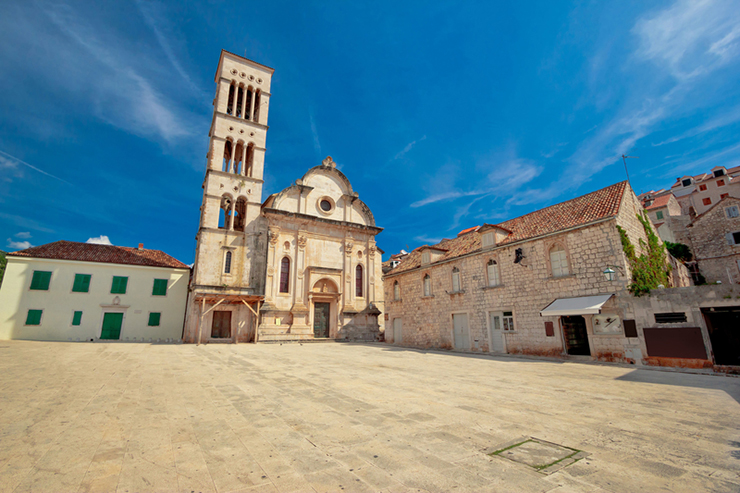 How to spend a day in Hvar - visit St. Stephen's Cathedral
