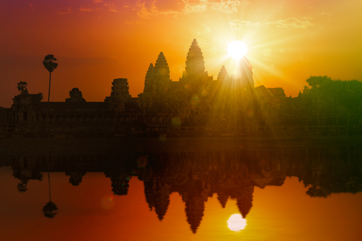 Sunset at Angkor Wat - most romantic experiences around the world