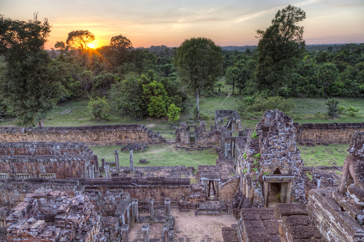 View from the Pre Rup temple, one of the Best Spots in Angkor to Watch Sunrise and Sunset