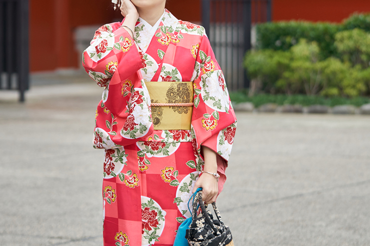Someone wearing a traditional kimono, a unique cultural experience in Japan
