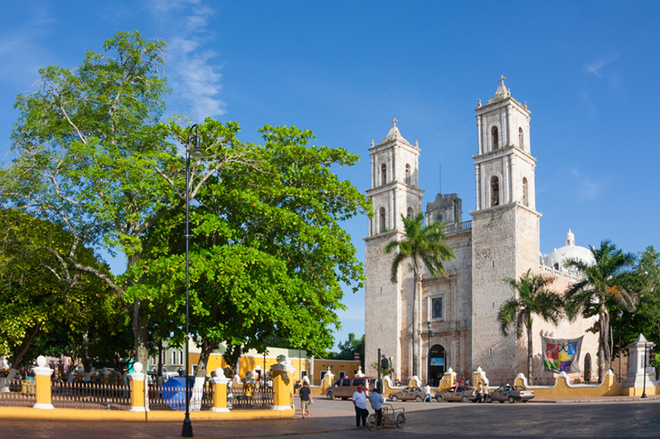 Cathedral of San Ildefonso in the central square of Merida