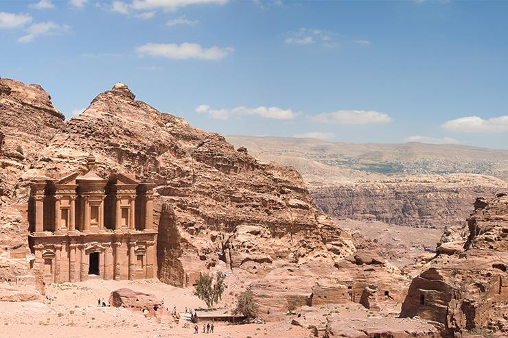 Tu viện Petra chắc chắn sẽ là điểm nhấn của bất kỳ chuyến du lịch Jordan nào