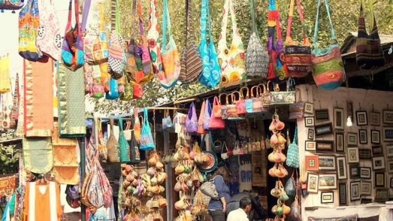 Private Custom Shopping Tour: Delhi's Bustling Markets