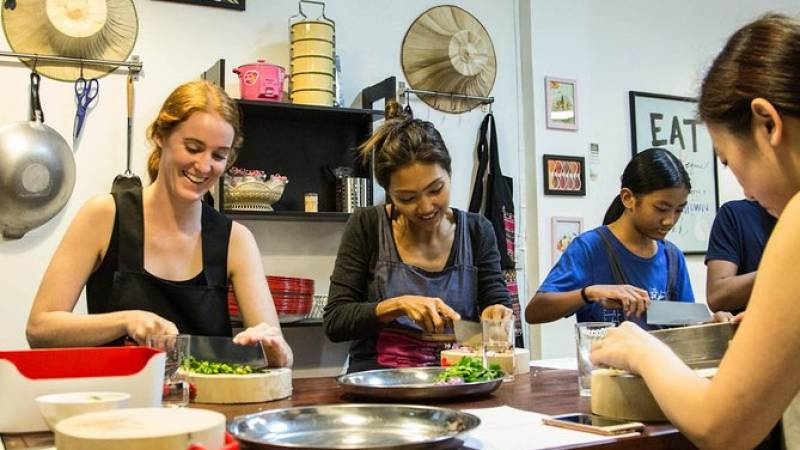 Half-Day Market Tour and Thai Cooking Class in Bangkok