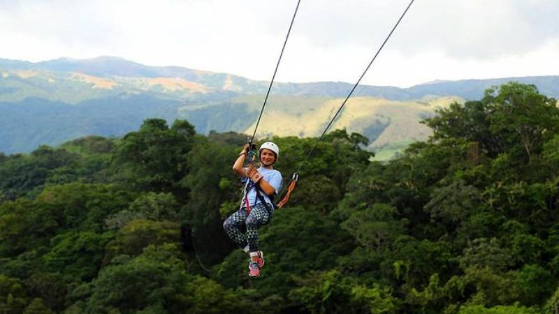 Zipline, Horseback Riding, and Hot Springs Private Combo Tour in Guanacaste