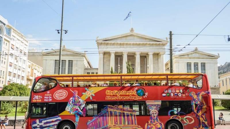 Athens Shore Excursion: Athens and Piraeus Hop-On Hop-Off Bus Tour