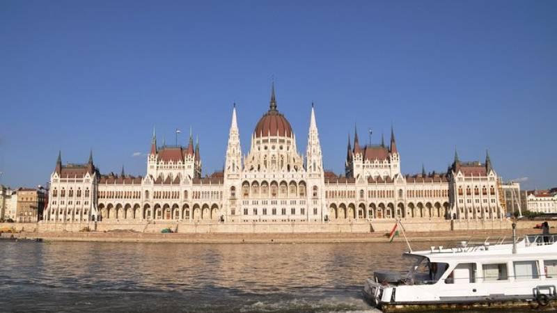 Budapest Parliament Tour Including Hotel Pick-Up