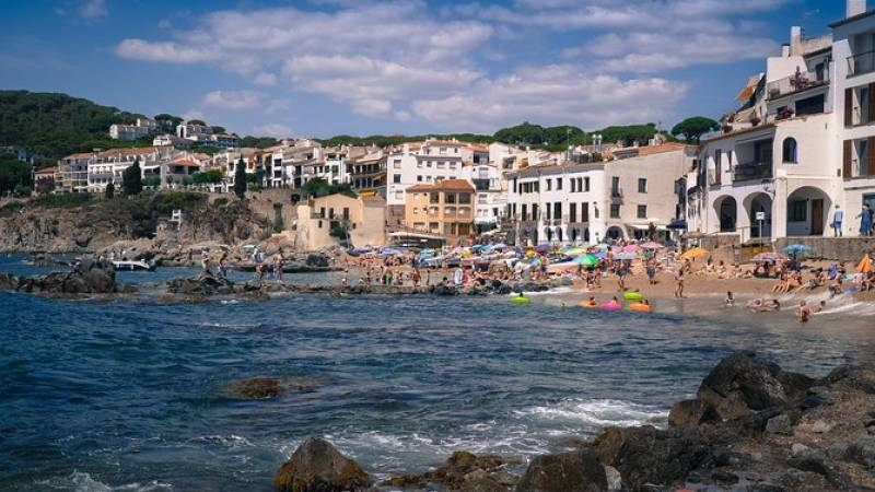Girona and Costa Brava Small Group Tour from Barcelona