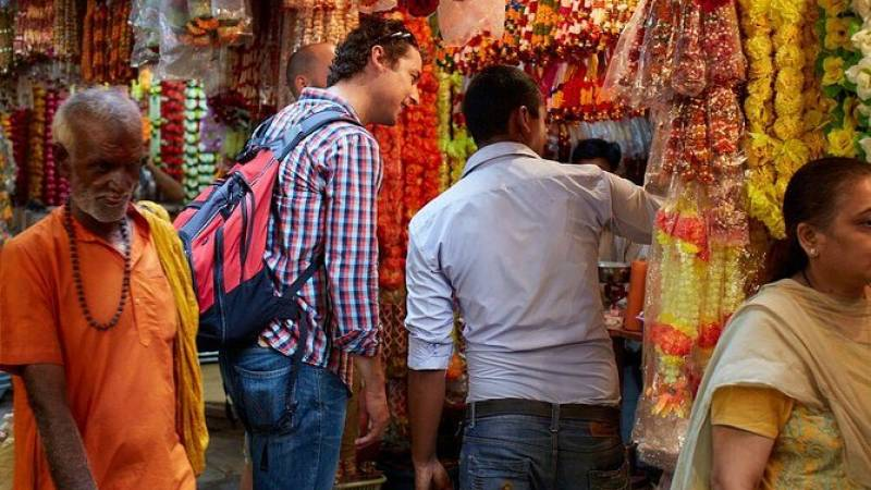 South Mumbai Walking Tour: Markets and Mumbadevi Temple
