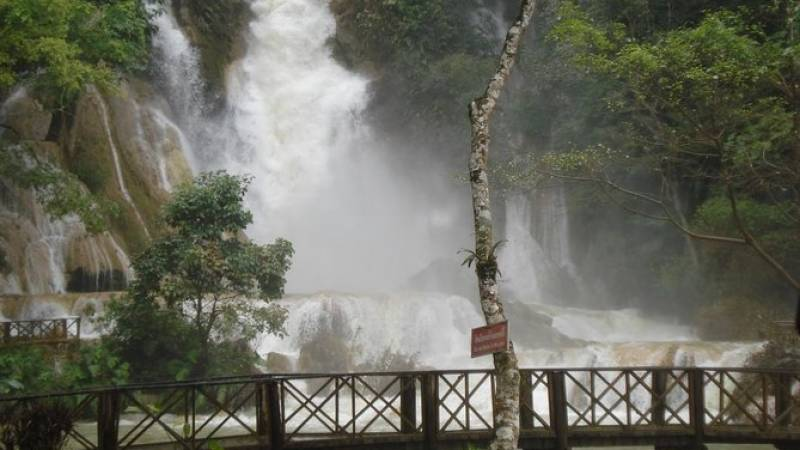 Slow Boat to Pak Ou cave - Villages and Kuangsi falls - Full Day Tour
