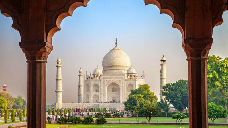Private Taj Mahal & Agra Tour from Jaipur by Car