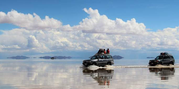 4 wheel driving through Uyuni Salt Desert in Bolivia
