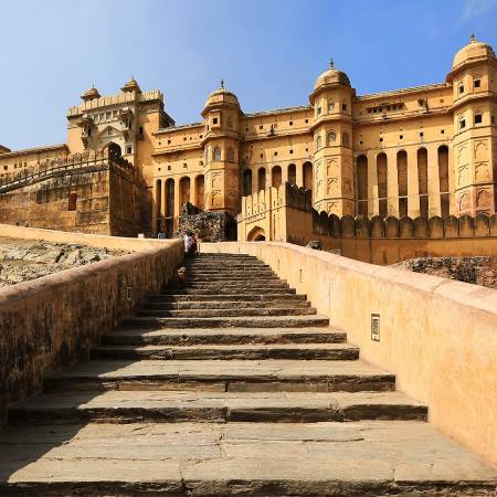 Approach to Amber Fort in Jaipur - India Tours - On The Go Tours