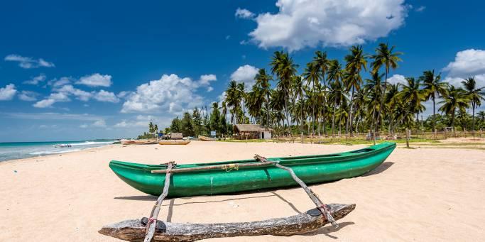 White sand beach in Trincomalee | Sri Lanka
