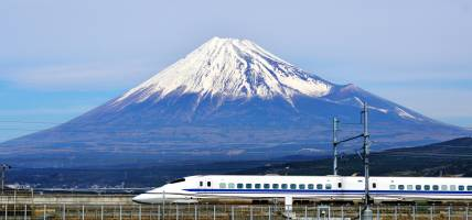 Bullet-Train-And-Mount-Fuji-Japan-Tours-On-The-Go-Tours