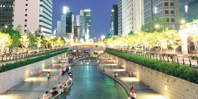 Cheonggyecheon Stream | Seoul | South Korea
