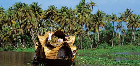 Kerala backwater tours for Leisure Travel