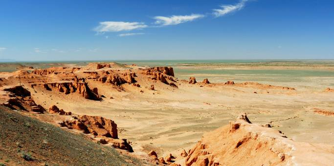 Bayanzag (Flaming Cliffs) Gobi Desert   Trans-siberian Railway   Mongolia