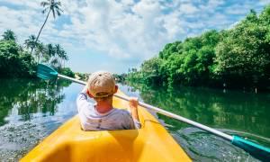 Family canoeing - Sri Lanka - On The Go Tours