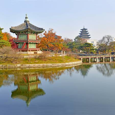 Gyeongbokgung-Palace-Seoul-South-Korea-tours-On-The-Go