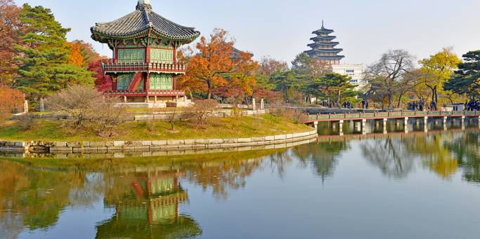 Visit the Gyeongbokgung Palace in Seoul on our 2017 South Korea tours