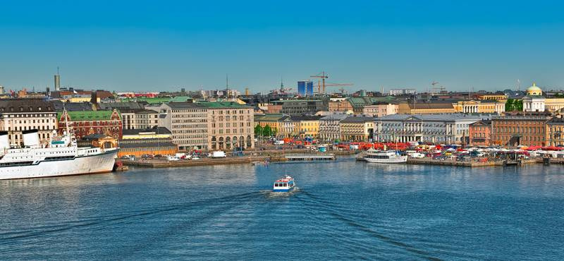 Discover the highlights and hidden gems of Helsinki on a day tour