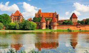 Highlights of Poland Main Image - Malbork Castle - Poland - On The Go Tours