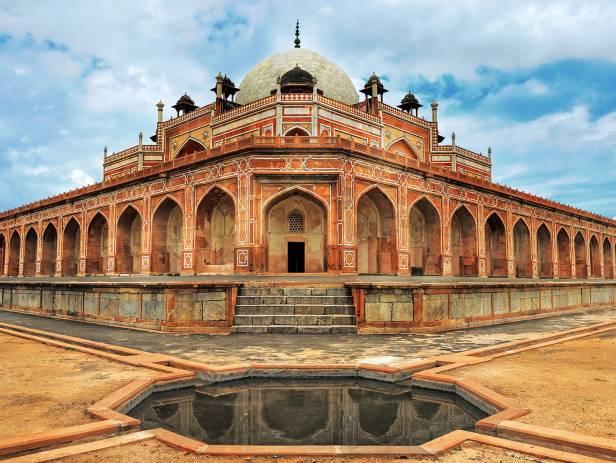 Humayun's tomb glowing in the waning sunlight in Delhi