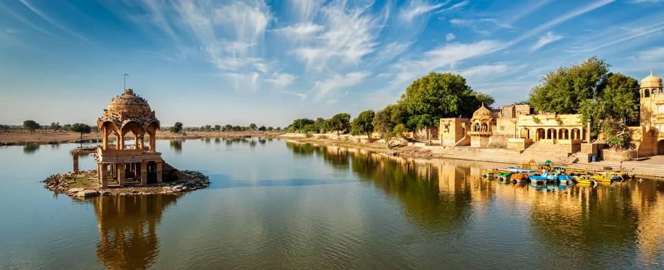 Bada Bagh along the water in Jaisalmer