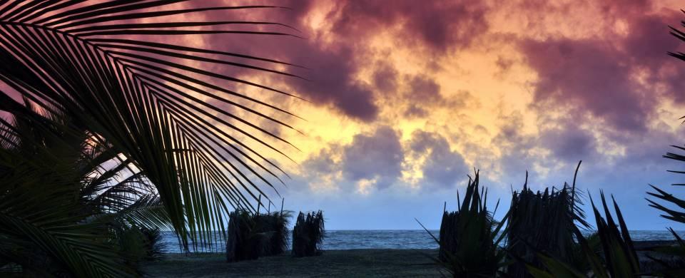 Dusky sun set painting the sky purple in Kalpitiya