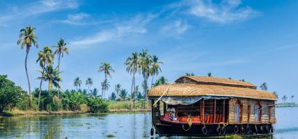 Kerala - houseboat on the backwaters - On the Go Tours