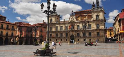 Leon-Central-Square-Nicaragua-Tours-On-The-Go-Tours