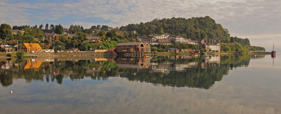 Houses along the waterfront of Puerto Varas