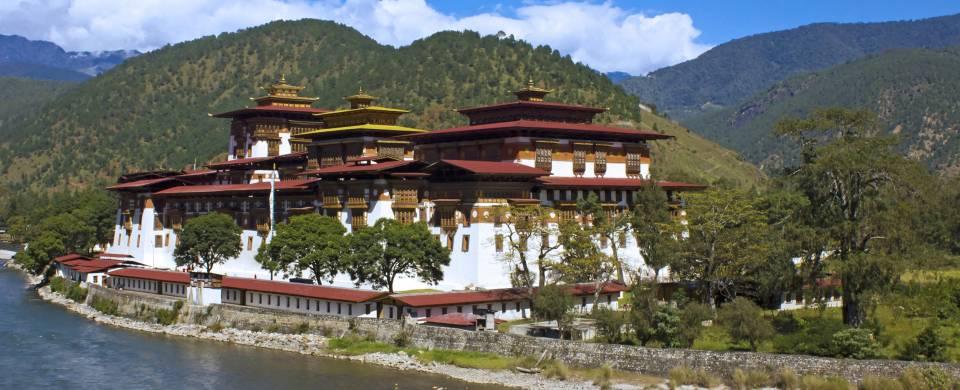 The Mo Chhu flowing alongside Punakha Dzong at Punakha.
