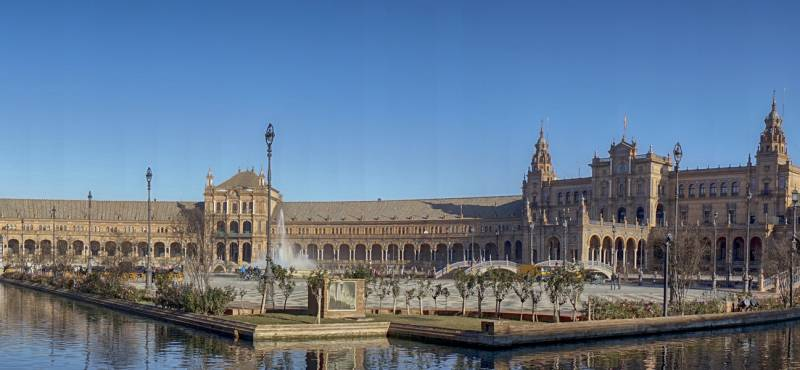 Experience the best of Seville with our range of day tours and excursions