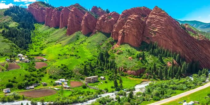 Jeti Oguz landscape | Kyrgyzstan