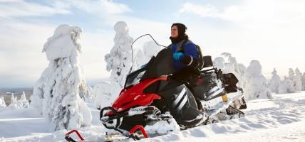 Snowmobile-Safari-Lapland-On-The-Go-Tours