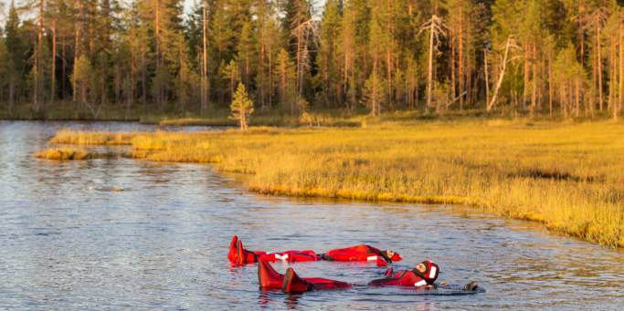 Summer Lake Floating - Finland - On The Go Tours (2)