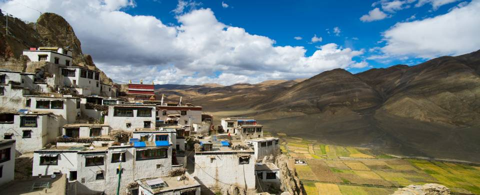 Shegar fortress near the town of Tingri in Tibet