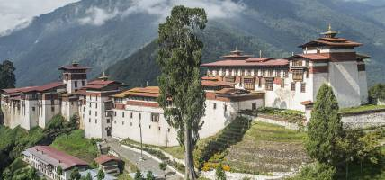 Trongsa Dzong monastery in Bhutan - Bhutan Tours - On The Go Tours