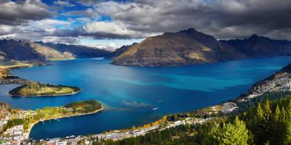 Wakatipu lake - Best places to visit in New Zealand - On The Go Tours